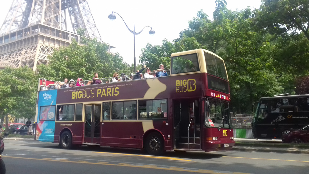 Cars rouges Big Bus Tours Paris