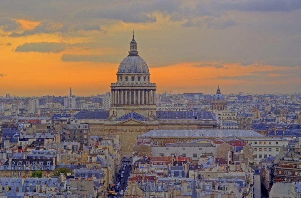 Panthéon de Paris vue aerienne nocturne