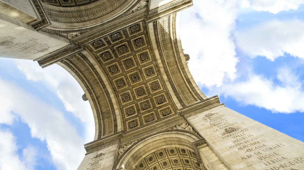dessous Arc de Triomphe