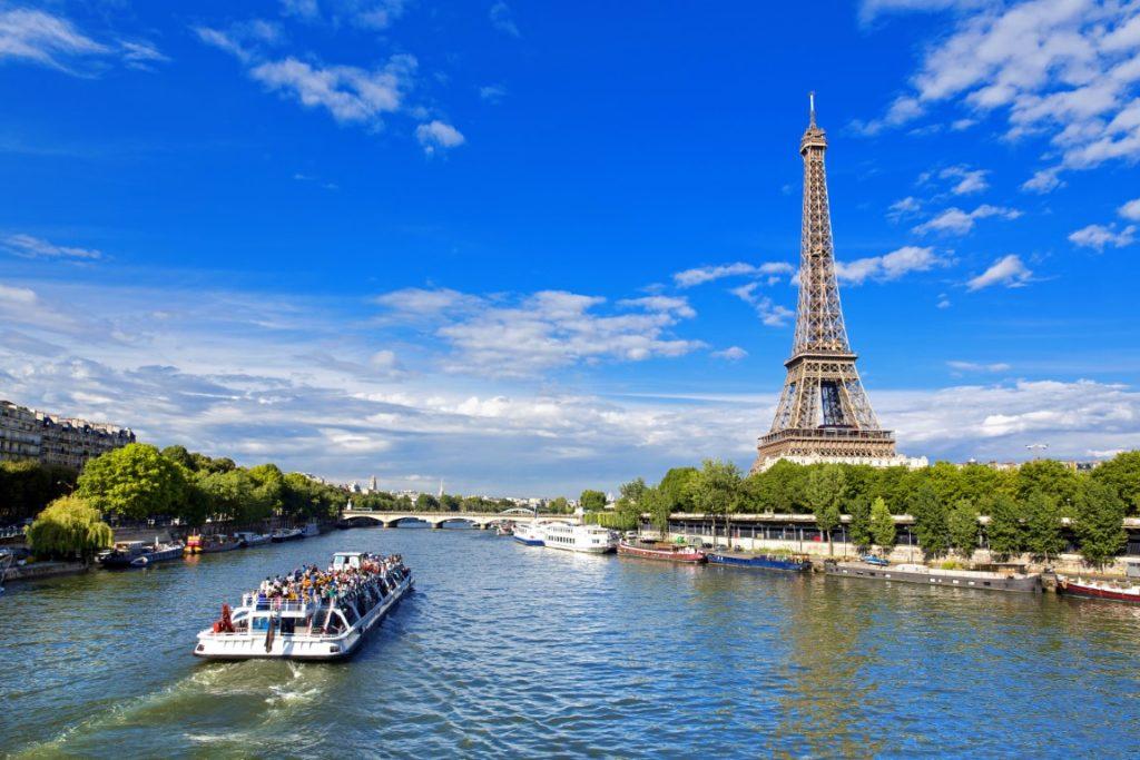 bateaux-Mouches sur la Seine Paris
