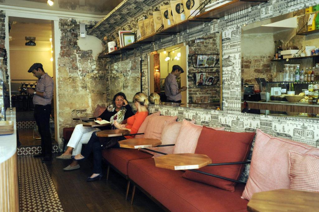 cafe loustic paris